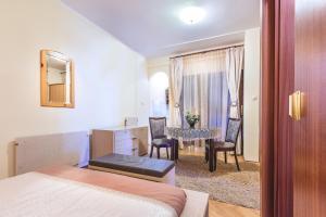 Villa Roses Apartments & Wellness, Apartmány  Ičići - big - 158
