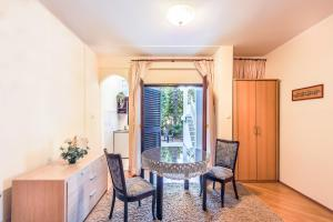 Villa Roses Apartments & Wellness, Apartmány  Ičići - big - 79
