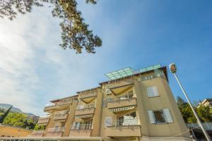 Apartments Villa Dinka, Apartmány  Opatija - big - 1