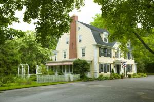 Bee and Thistle Inn - Accommodation - Old Lyme
