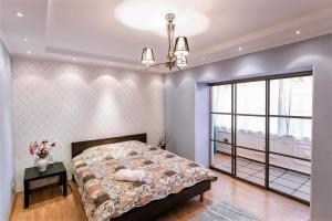 Апартаменты AHome 34 на Достык 117б - фото 1
