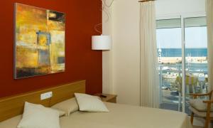 Hotel Roca Plana, Hotely  L'Ampolla - big - 7