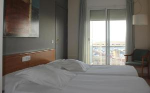 Hotel Roca Plana, Hotely  L'Ampolla - big - 5