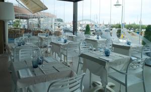 Hotel Roca Plana, Hotely  L'Ampolla - big - 11