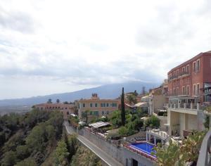 Casa Fabiana, Apartmanok  Taormina - big - 52