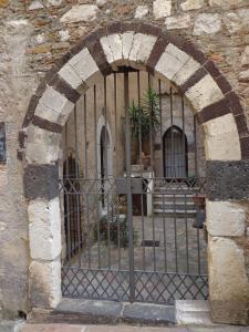Casa Fabiana, Apartmanok  Taormina - big - 49