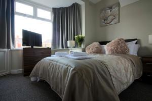 St Anne's Suite 2