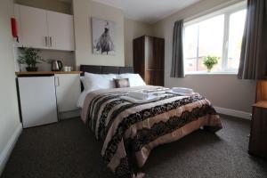 St Anne's Suite 4