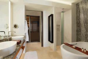 Tweepersoonskamer met 2 Aparte Bedden en Uitzicht op Zee