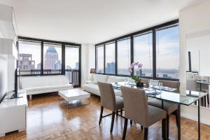 2 Bedroom Luxury Residence On Broadway Near Carnegie Hall
