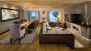 Aspen Two-Bedroom Ski Chalet - Including access to Ski Dubai for 2