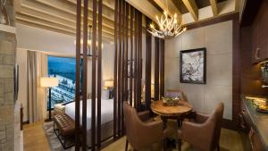 Aspen Ski Chalet - Including access to Ski Dubai for 2