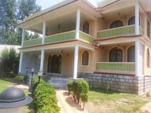 Lamzy Pari Mahal