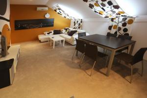 Rooms Centrum, Penziony  Osijek - big - 38