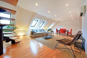 Charles Square Duplex Apartment, Ferienwohnungen  Prag - big - 11