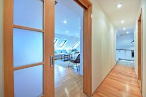 Charles Square Duplex Apartment, Ferienwohnungen  Prag - big - 7