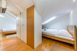 Charles Square Duplex Apartment, Ferienwohnungen  Prag - big - 18