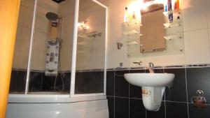 Апартаменты On Babek prospekti 10A - фото 15