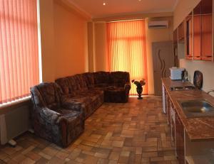 Эллинг Стрелецкий, Апартаменты  Севастополь - big - 15