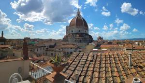 Toccando il Duomo Con Un Dito