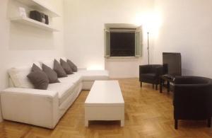鳳凰公寓 (La Fenice)