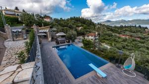 Luxurious Villa Kastro with Salt Water Swimming Pool, Ville  Nikiana - big - 60