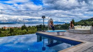 Luxurious Villa Kastro with Salt Water Swimming Pool, Ville  Nikiana - big - 4