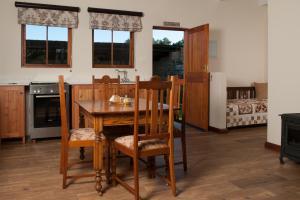 Baris Guesthouse, Гостевые дома  Кларенс - big - 5