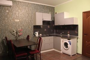 Alie Parusa Guest House, Affittacamere  Adler - big - 16
