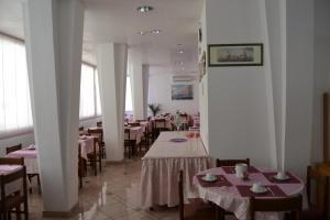 Hotel Tonti, Hotely  Misano Adriatico - big - 51