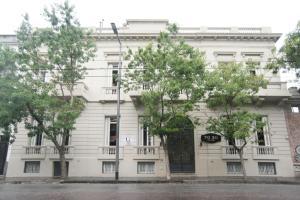 70 30 Hostel