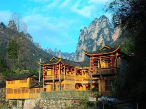 Qing Feng Zhai