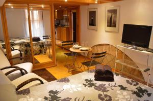 (Tarragona Suites Calderers 6E2)