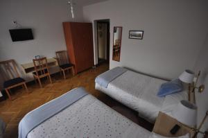 Double Room with Extra Bed - Facilities Pension Oviedo