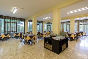 Hotel Beau Soleil, Hotels  Cesenatico - big - 65