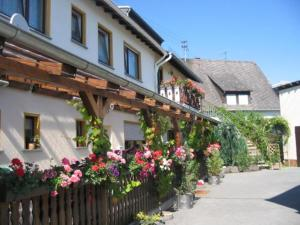 Gasthaus Hotel-Pension Tannengrün und Partnerhäuser