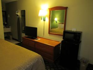 Days Inn Ashburn, Motels  Ashburn - big - 56