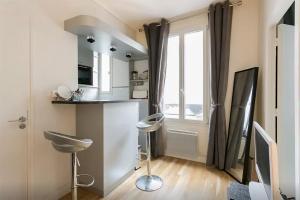 Charming flat in Paris XV