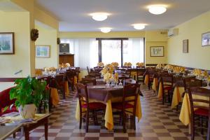 Hotel Certosa, Hotely  Certosa di Pavia - big - 40