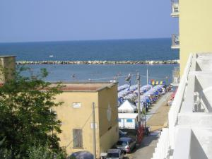 维拉劳雷塔酒店  (Hotel Villa Lauretta)