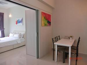 Luxury Tropez Residence, Апартаменты  Джохор-Бару - big - 40