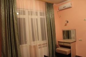Alie Parusa Guest House, Guest houses  Adler - big - 31