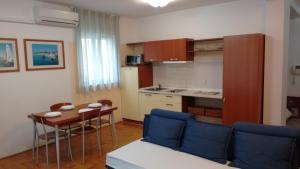 Apartment Lajos, Apartmanok  Crikvenica - big - 10