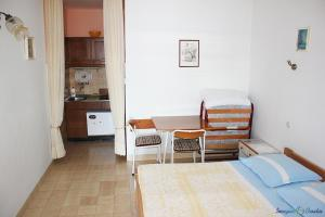Apartment Niko SA2, Apartmanok  Pisak - big - 9