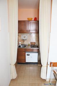 Apartment Niko SA2, Apartmanok  Pisak - big - 2