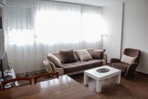 Cozy Apartment in Zemun, Apartmanok  Belgrád - big - 3