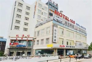 Motel Shanghai Changzhong Road Jiangwanzhen Metro Station