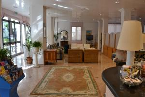 Hotel Tonti, Hotely  Misano Adriatico - big - 30