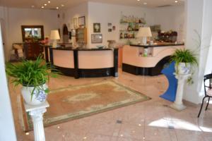 Hotel Tonti, Hotely  Misano Adriatico - big - 32