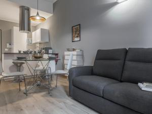 (Massarenti One-Bedroom Apartment)